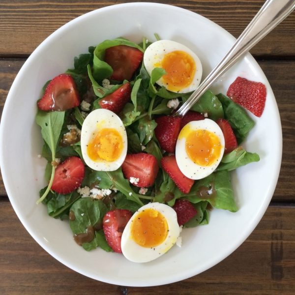 SIMPLE SPRING FARMERS MARKET SALAD